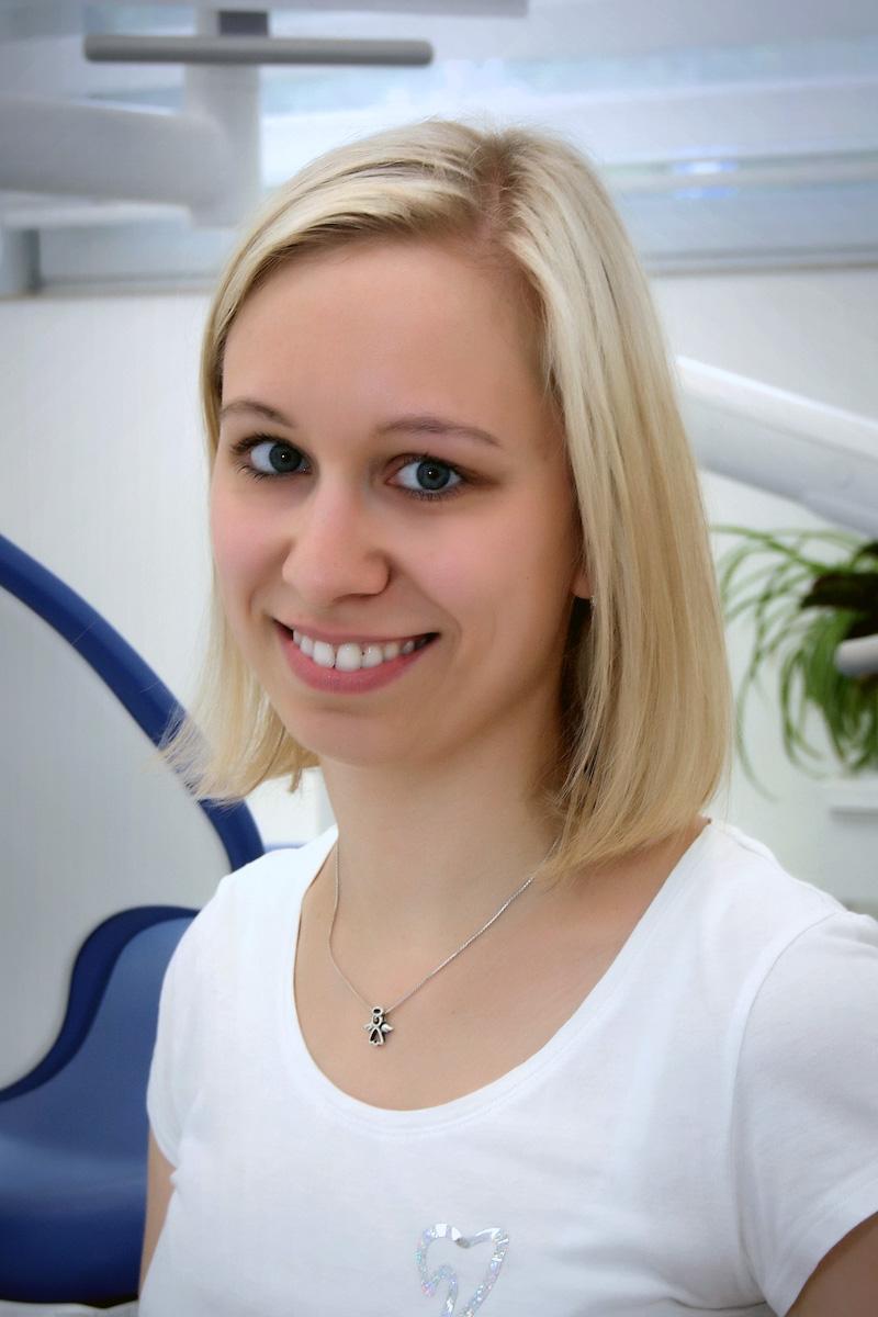 MDDr. Petra Vejrostová - Helidentist